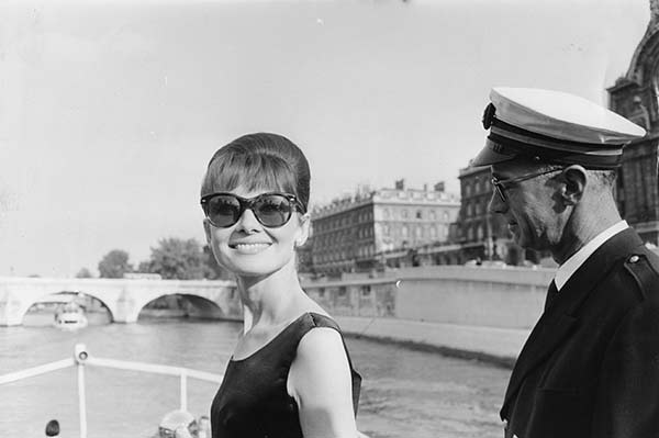 MODIFICATA00000000000004731Audrey-Hepburn-Elegance_Collection-de-la-Cinematheque-Suisse