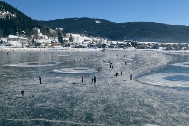 Lac Joux ghiacciato